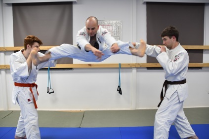 karate-flying-kick